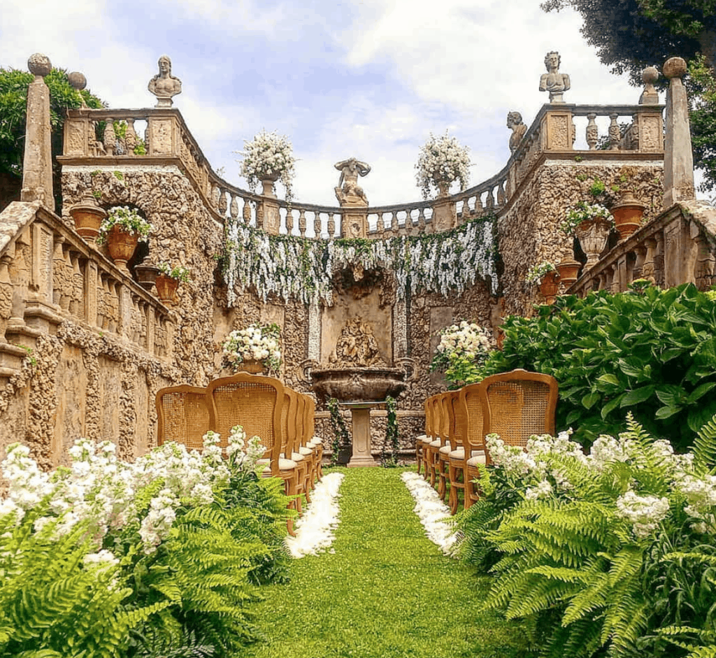 Little grotto of villa gamberaia in florence